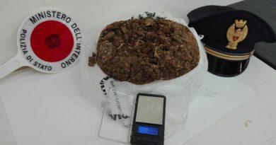 San Giorgio a Liri – Un chilo di marijuana nello zaino: arrestato