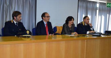 Passaggio di testimone al vertice della Questura di Frosinone: la dr.ssa Rosaria Amato subentra al dr. Filippo Santarelli.